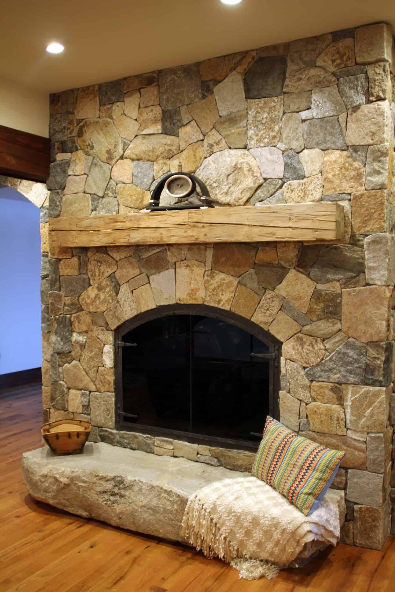 Natural Stone Veneers ǀ Faux Stone Siding ǀ Stone Veneer: Boston Blend Mosaic Thin Veneer